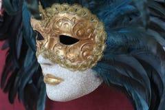 2 guld- maskering venice Arkivbilder