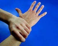 2 händer två Arkivfoton