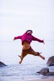 2 happy jump Στοκ φωτογραφίες με δικαίωμα ελεύθερης χρήσης