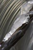 2 iced vattenfallet Fotografering för Bildbyråer