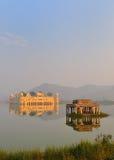2 jal mahal pałac Rajasthan woda Obrazy Stock