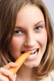 2 jedzenie marchewek obrazy stock