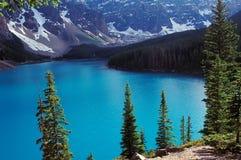 2 kanadensisk dayscene rockies Arkivfoto
