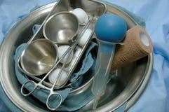 2 kirurgihjälpmedel Arkivfoto