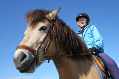 2 koni jazda Zdjęcia Royalty Free