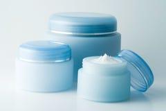 2 kosmetiska krämar Arkivbild