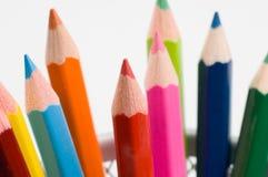 2 kulöra blyertspennor arkivfoton