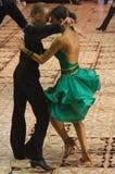 2 latinska dansare Arkivfoto