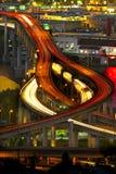 2 ljusa marquamtrails för motorväg Arkivbild