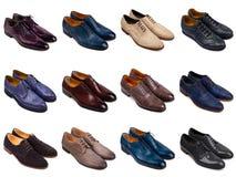 2 mångfärgade s skor för män Arkivbilder