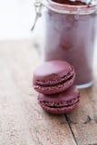 2 macaroons и какао Стоковые Изображения RF