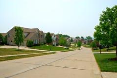 2 maisons suburbaines de brique d'histoire Image stock