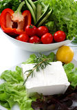 2 mediteranian餐馆沙拉表白色 图库摄影