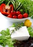 2 mediteranian restauracyjny sałatki stołu biel fotografia stock