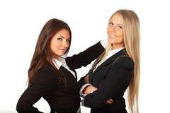 2 mulheres de negócios bonitas novas Imagens de Stock Royalty Free