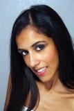 2 multiracial kvinnabarn för härlig headshot Arkivbilder