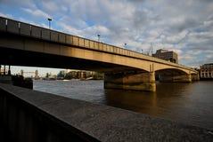 2 passerelle Londres Images libres de droits