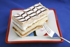 2 pedazos de la torta en placa Fotografía de archivo libre de regalías