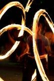 2 przedstawienie pożarnicza pochodnia przekręca zhangler Fotografia Stock