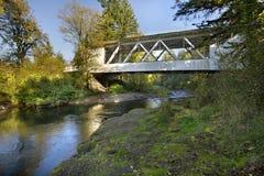 2 przerzucają most zakrywającego Hannah Oregon Fotografia Royalty Free