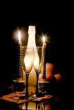 2 romantyczny wieczór świece. Zdjęcie Stock