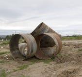 2 rostiga metallrør Royaltyfri Bild