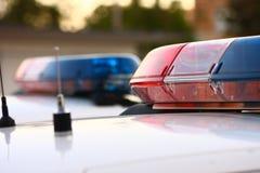 2 sirènes de police se ferment vers le haut Image libre de droits