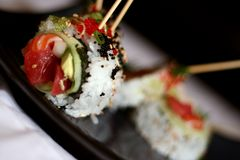 2 skewered sushi Royaltyfria Foton