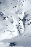 2 skiërs op een gletsjer Stock Afbeeldingen