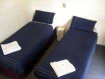 2 solas camas Imagen de archivo