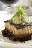 2 svärtade steakswordfish Arkivfoto
