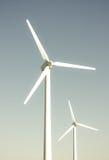 2 turbines de vent images libres de droits