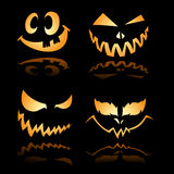 2 uśmiechu Halloween dźwigarki latarniowych o uśmiechu Fotografia Royalty Free