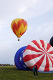 2 varma luftballonger Arkivbilder