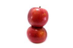 2 vertikala äpplen Arkivbilder