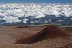 2 vulkaniska kottar Arkivfoto