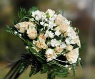 2 white poślubi bukiet. Zdjęcie Stock