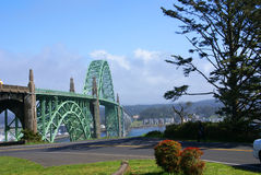 20世纪30年代海湾桥梁编译了yaquina 免版税图库摄影
