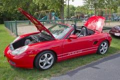 2002 rojo Porsche Boxter Foto de archivo