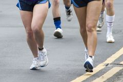 2006 april leeds maratonlöpare Royaltyfri Bild