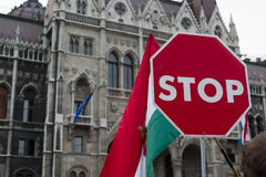 2006 demonstrationer politiska hungary Royaltyfri Bild