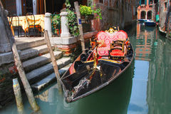 2007年长平底船可以venezia 免版税库存照片