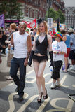 2009对夫妇快乐伦敦自豪感 库存照片