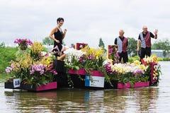 2009年浮动的花游行westland 库存照片