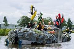 2009年浮动的花游行westland 库存图片