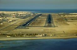 2009 30r bahrain l landningsbana Arkivbilder