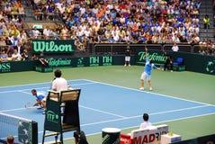 2009 de kop van Davis van het Tennis - het Israëlische team dient Royalty-vrije Stock Foto's