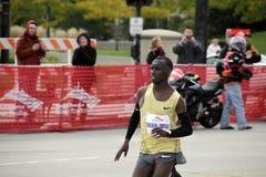 2009 de winnaar Samuel Wanjiru van de Marathon van Chicago Stock Foto's