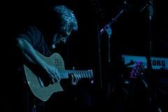 2010个音乐会12月francesco guccini米兰 库存照片