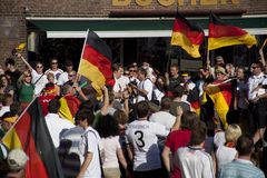 2010台杯子风扇德国人世界 免版税库存照片